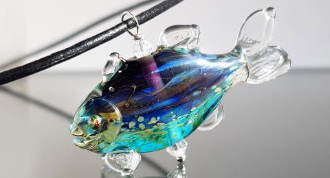 рыбка из стекла, стеклянная рыба, кулон рыба, рыба лэмпворк
