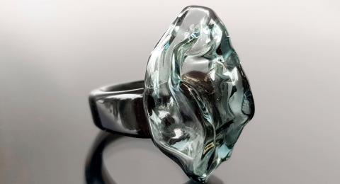 стеклянный перстень, кольцо стекло купить, лэмпворк перстень, стильный перстень, черное кольцо