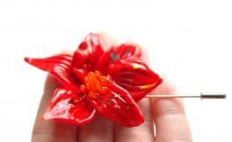 большая красная брошь, красная брошь из стекла, стеклянная брошь, брошь цветок, красный цветок брошка