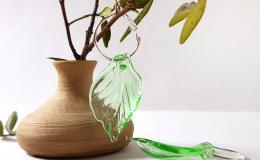 длинные серьги, серьги листья, серьги из стекла, авторский лэмпворк, стекло ручной работы, листья лэмпворк