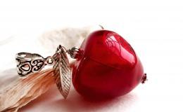 кулон яблоко, яблоко из стекла, яблоко муранское стекло,стеклянный кулон яблоко, красное яблоко лэмпворк