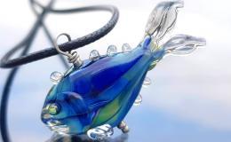 кулон рыба, рыба лэмпворк, синяя рыбка стекло, кулон мурано с рыбой, рыбка венецианское стекло, рыбы Анны Ивановой, купить украшение лэмпворк