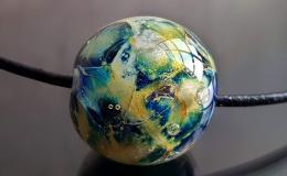 кулон планета, кулон космос лэмпворк, шар кулон галактика купить, стекло с серебром купить, галактика лэмпворк украшения,